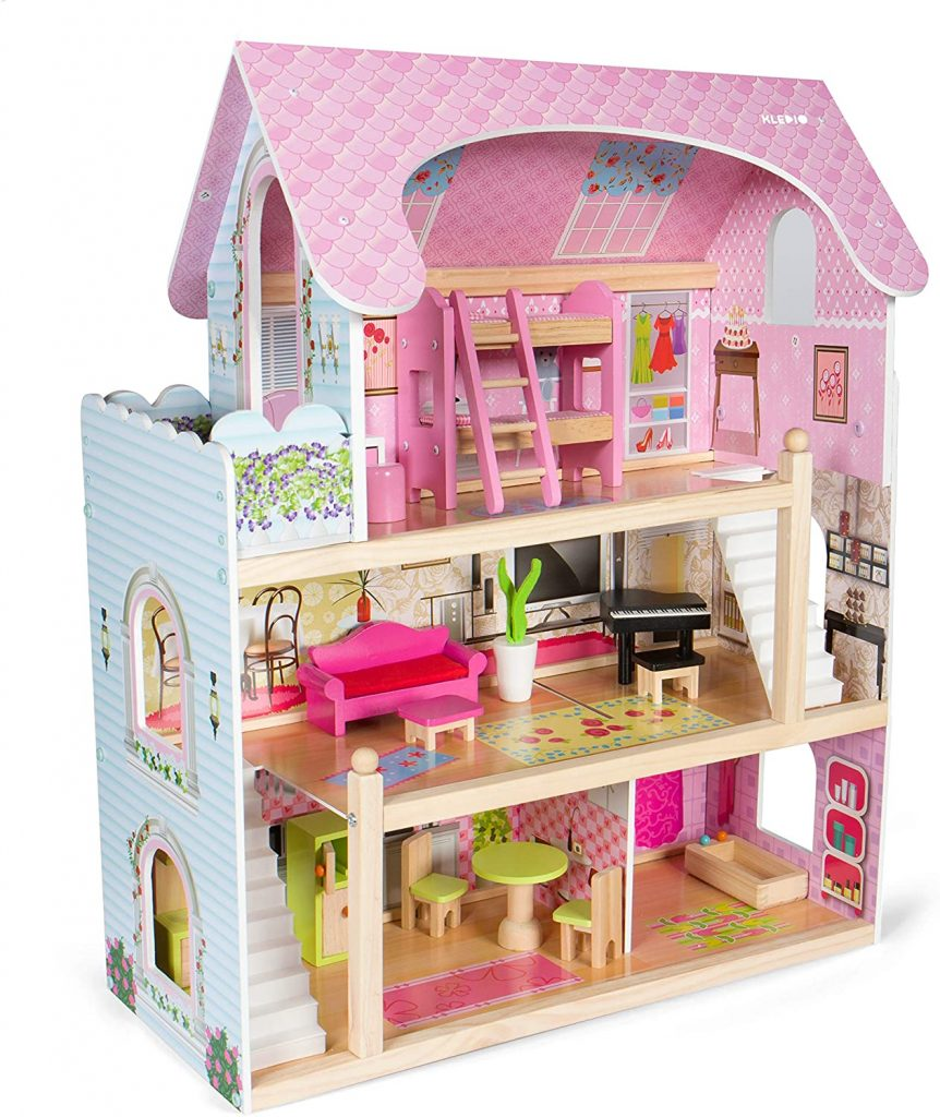 La maison de poupées en bois Kledio est accessoirisée de 16 meubles.