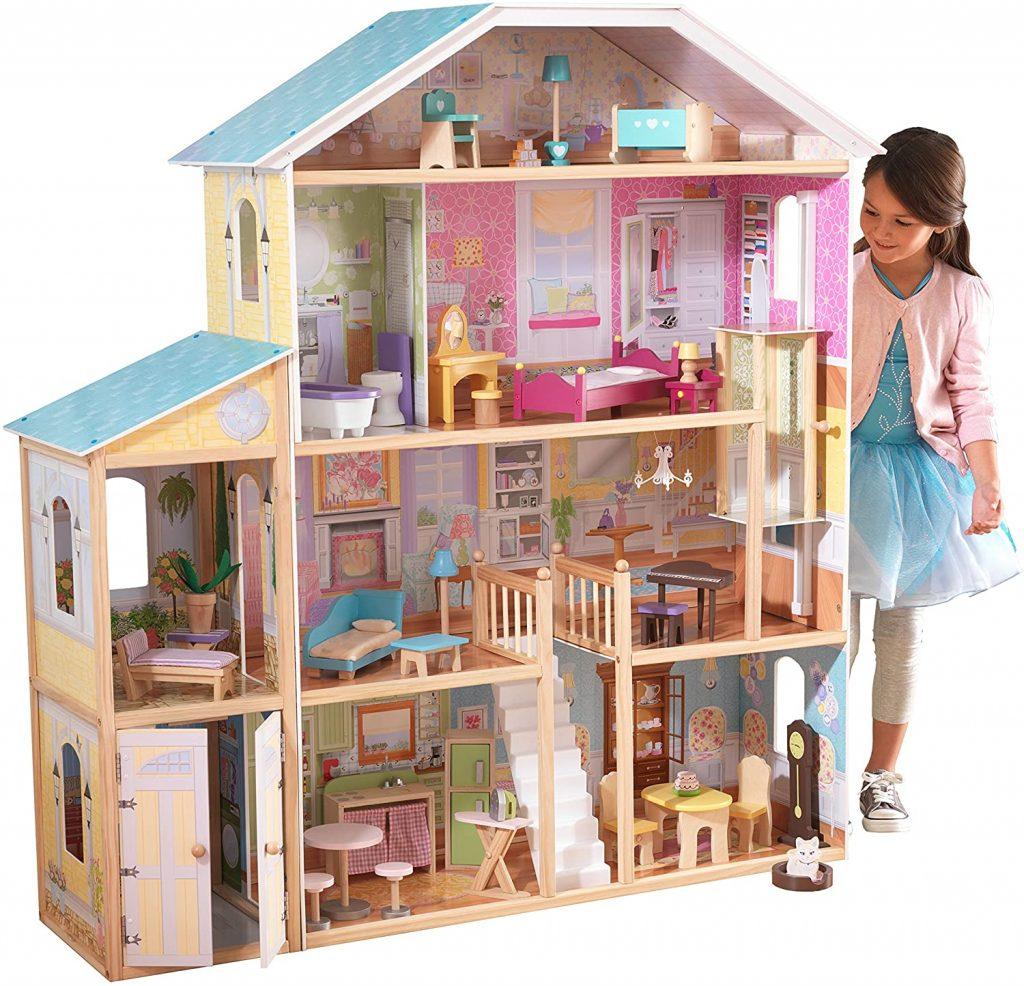 La maison de poupées Kidkraft Majestic en bois a 4 étages de jeux.