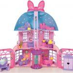 La maison de Minnie dispose de 3 niveaux de jeu.