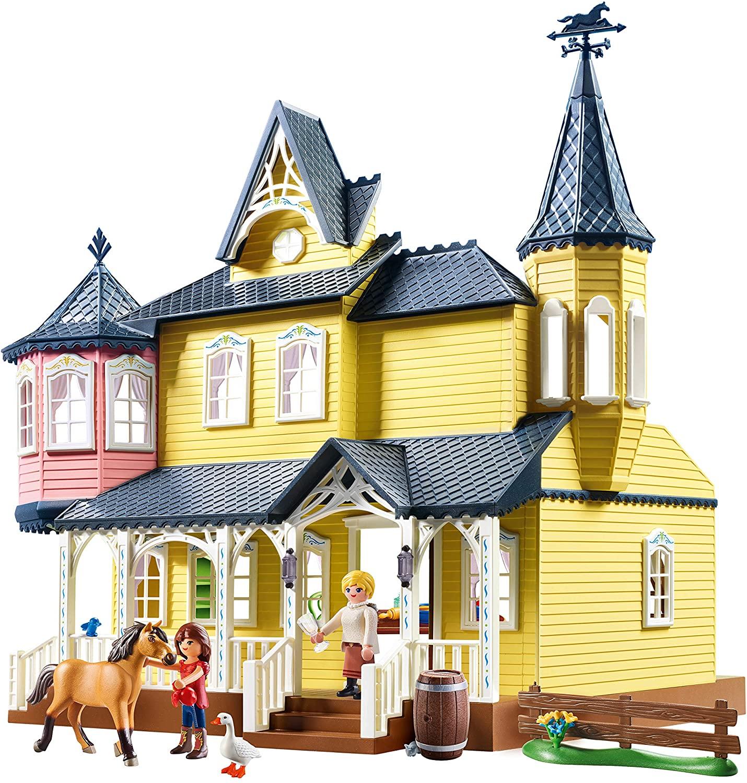 La maison de Lucky Playmobil Spirit ressemble à un château.