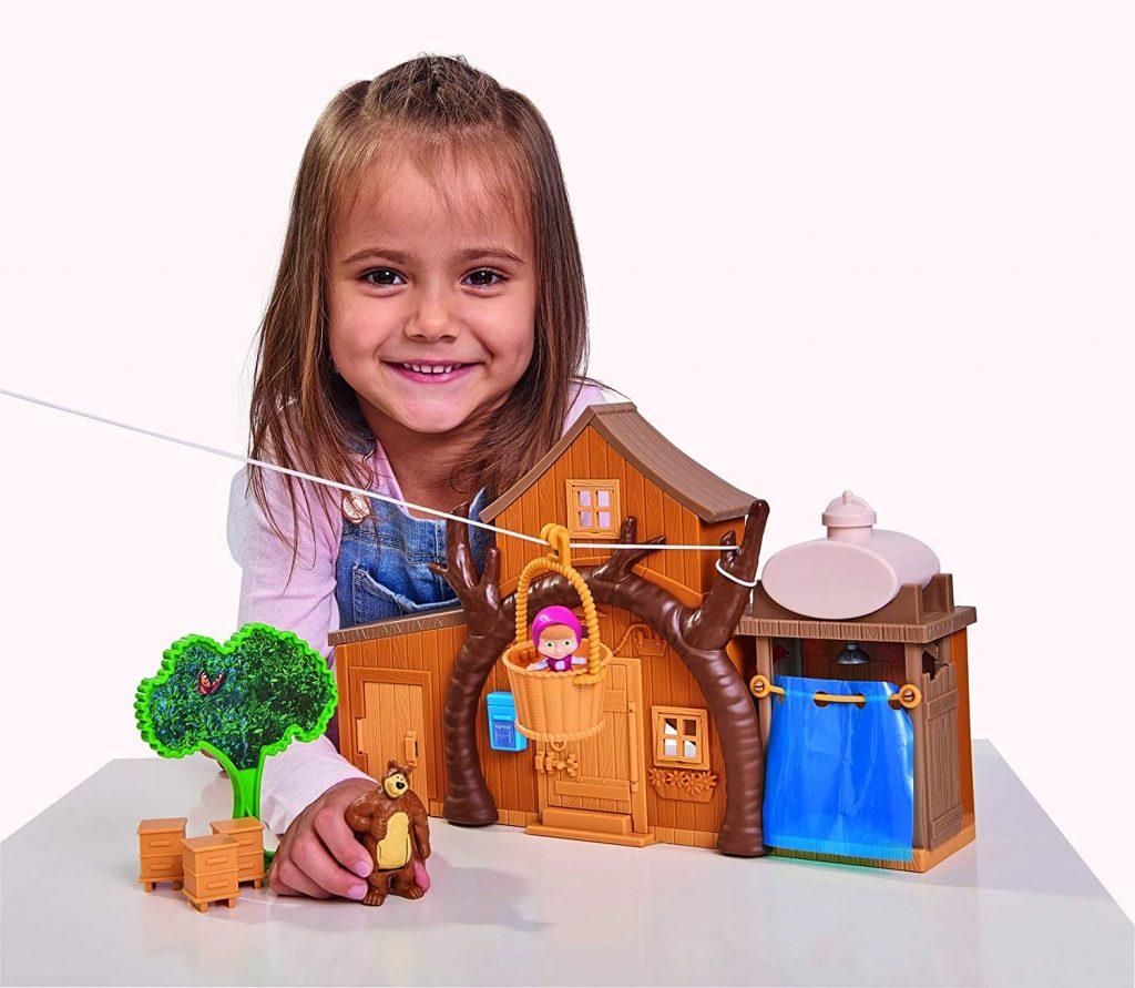 La maison de Masha et Michka comporte une tyrolienne.