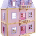 La maison de poupée Melissa & Doug a une sublime façade.