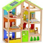 La maison de poupées en bois Hape Toute saison possède 6 pièces.
